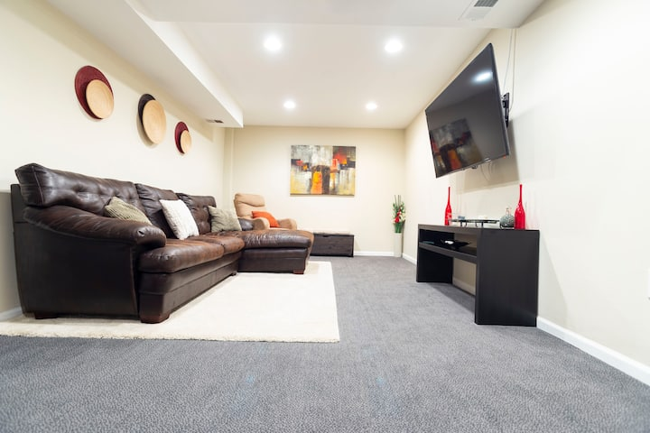 Peaceful Bliss- Modern, Spacious, Basement Apt