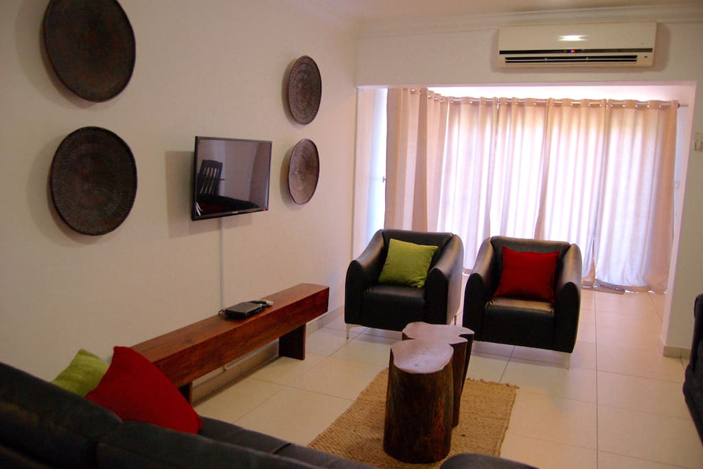 Lounge with Air-con, flat screen TV and DSTV