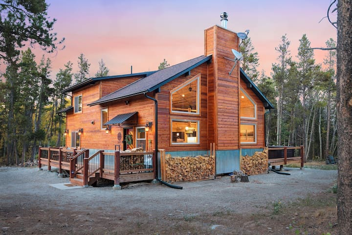 New Mountain Home - 35 Min from Breck - Hot Tub