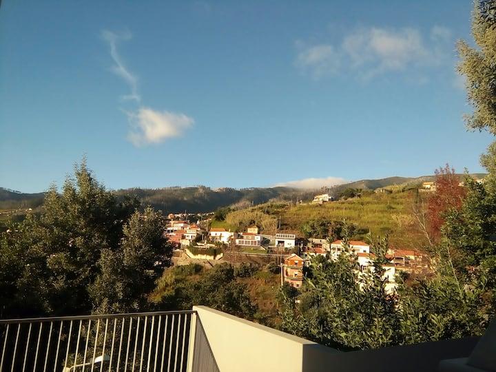Casa Mao Cheia , views over sea and mountains