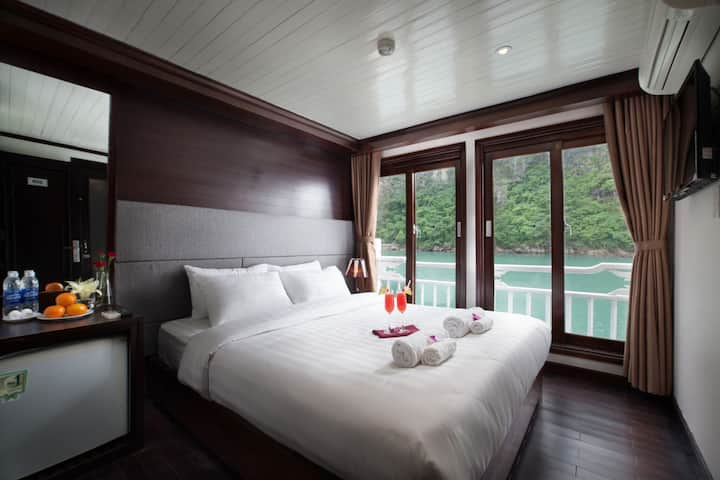 Stellar Ha Long Bay 2 days 1 night