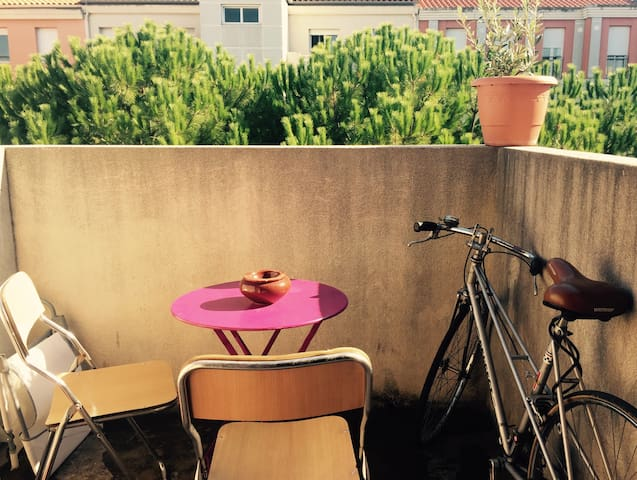 Studio with balcony near the center - Montpellier - Apartment