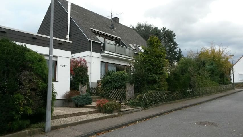 Ruhige, gemütliche Wohnung, Stadtrand Koblenz