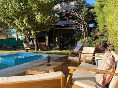 Casa Quinta con Jardin y Piscina