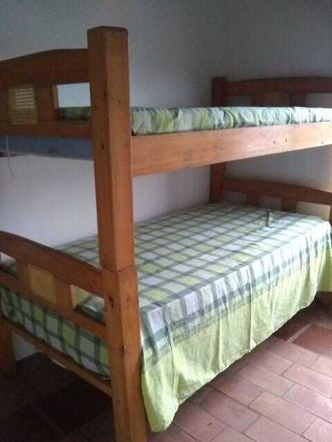 Excelente alojamiento en casa estilo country