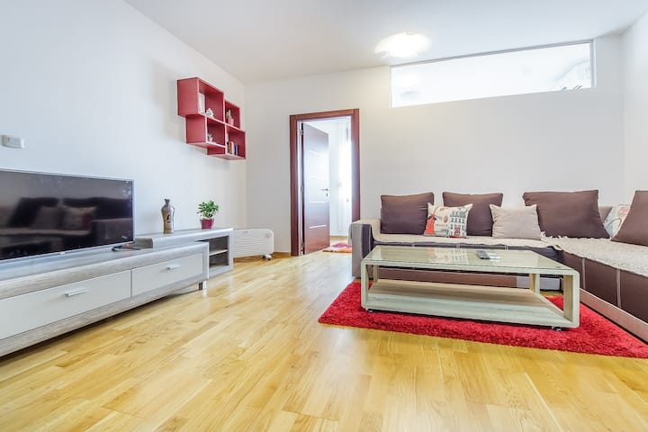 Charming and modern apartment - perfect location