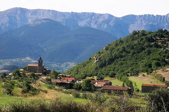Cal Tià, una llar amb vistes a Viliella, 2 pers.