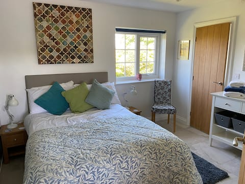 Bijou flat  for two in rural Anglesey.