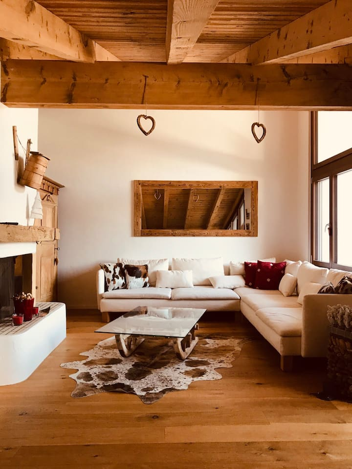 Attic in Laax with steam bath,direct from ski lift