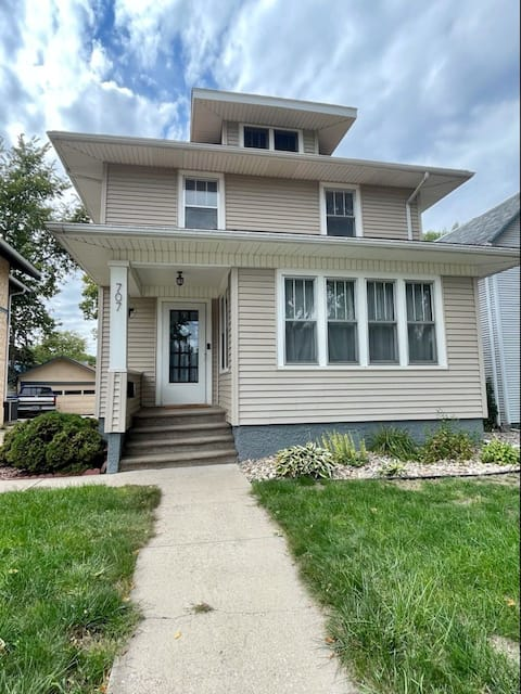 Charming 3-Bedroom Home 5-Min Walk from Downtown!