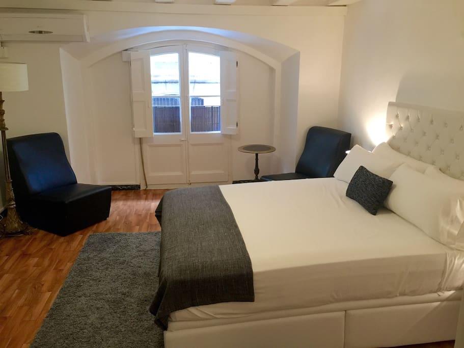 Las ramblas amazing room chambres d 39 h tes louer - Chambre d hote barcelone centre ...