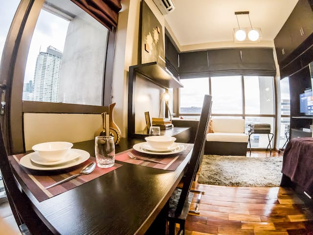 Upscale beautiful condo w/ corner view @ Greenbelt - Makati - Wohnung