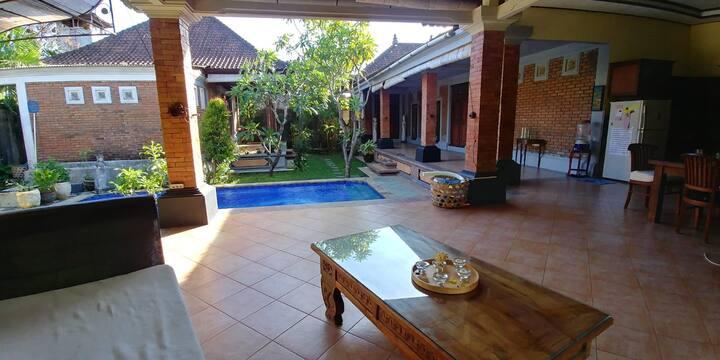 Villa Lima Sanur