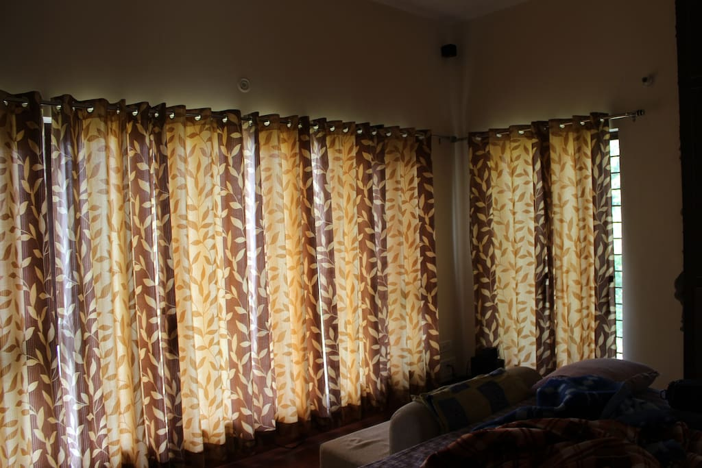 bed room curtains drawn