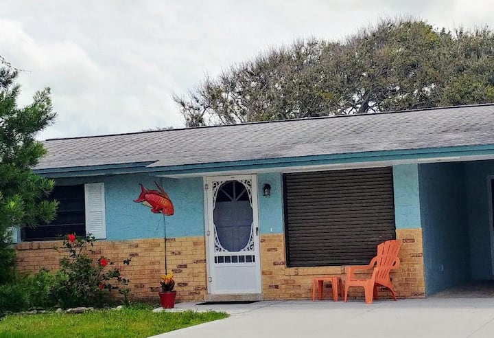 Pet-friendly Beachside House, Walk to Ocean