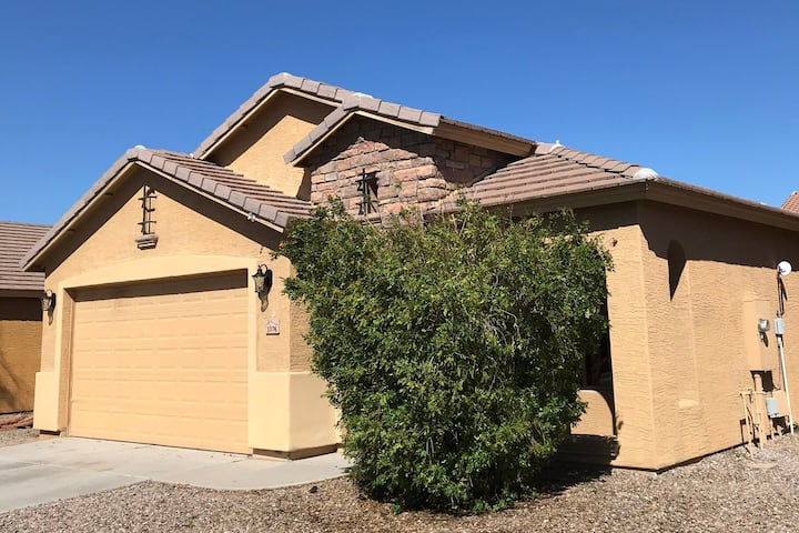 Cozy 1 story home minutes from the park