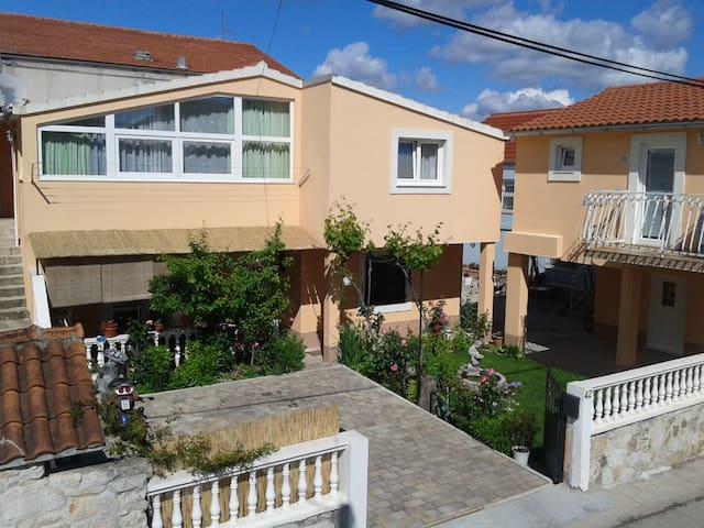 Apartment Elvira 1