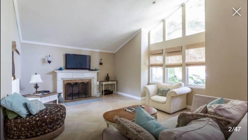 ROOMS in NORTHRIDGE Estate * CSUN - Los Angeles - House