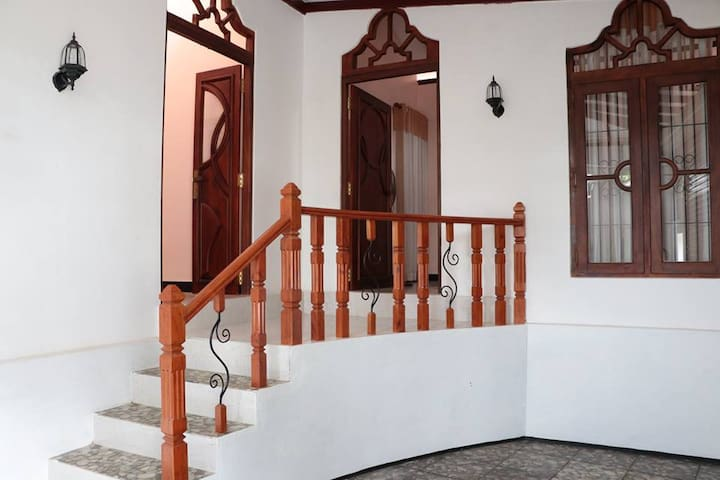 D.D. Home Stay - Gampaha - 一軒家