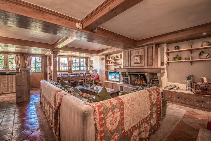 Ski in/out apartment with 5 bedrooms in Courchevel