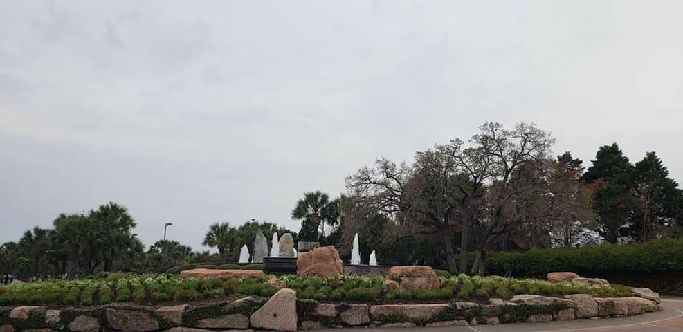 Enjoy the Charm of Horseshoe bay TX!!