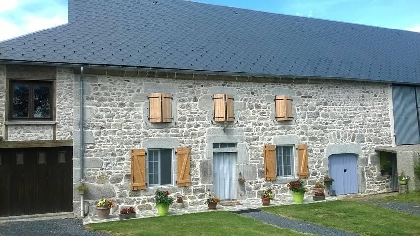 Maison auvergnate proche de la Chaîne des Puys (UNESCO)