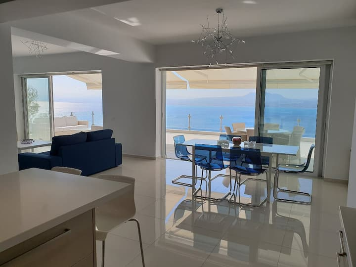 Luxurious Suite Athena near to beach & Heraklion