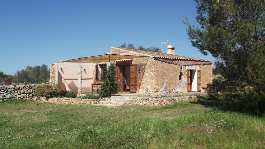 Casita de campo a 10 km de la playa - Santa Margalida - House
