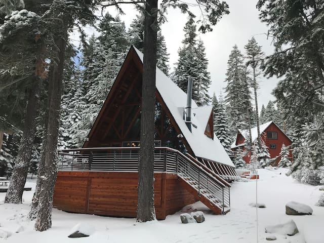Midcentury Tahoe A-frame Cabin - new Decks & Spa