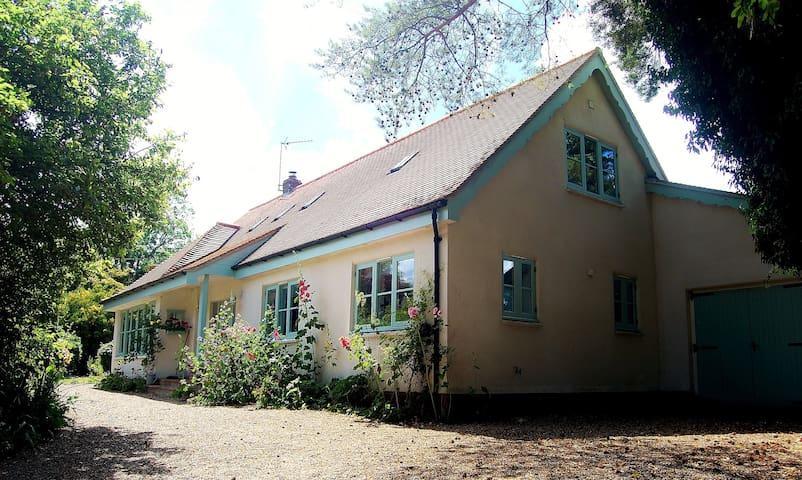 Charming 5 Bedroom Cottage in North Norfolk!
