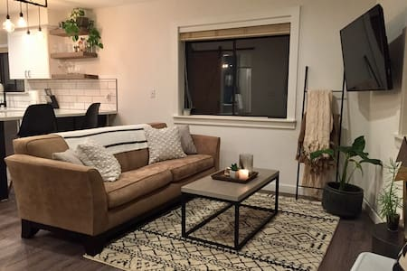 Cozy, Modern and Updated One Bedroom Abode - Truckee - Flat