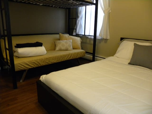 Lovely room minutes from EWR/NYC #2 - Elizabeth - Maison