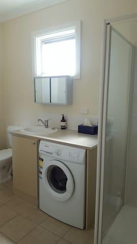 Ensuite with washing machine