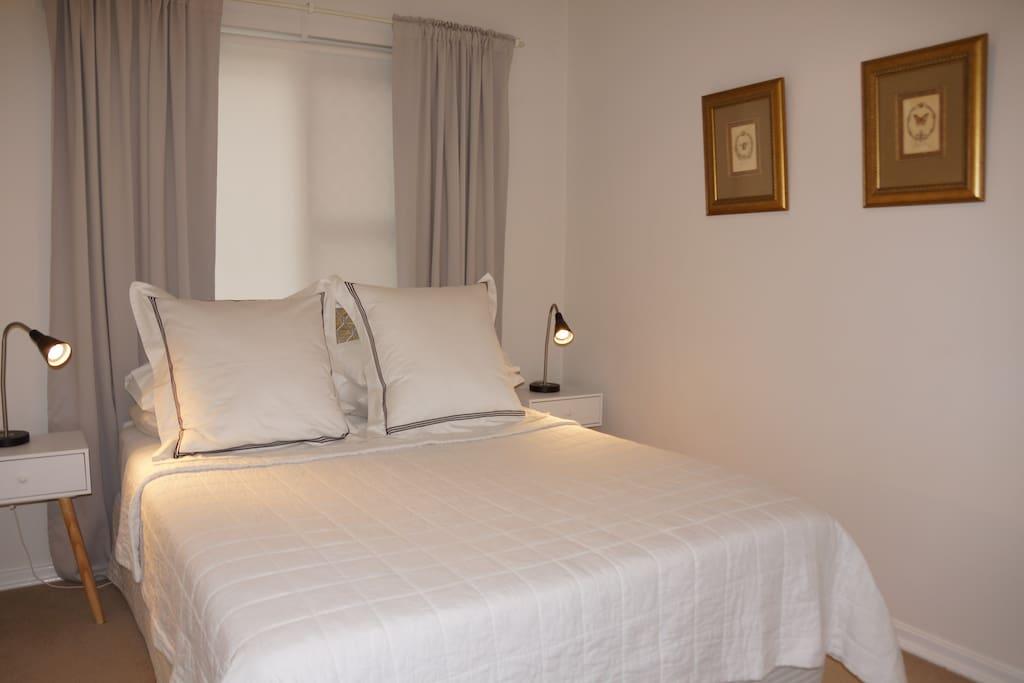 Second bedroom QS bed