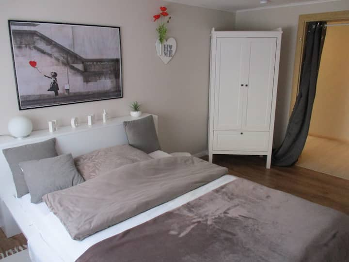 Charming flat, 2 bedrooms, no kitchen