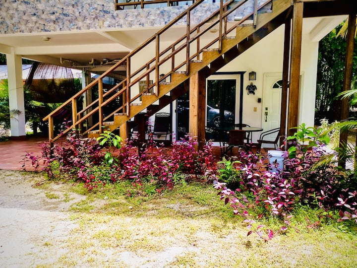 Villa Paraíso, Tela Atlantida