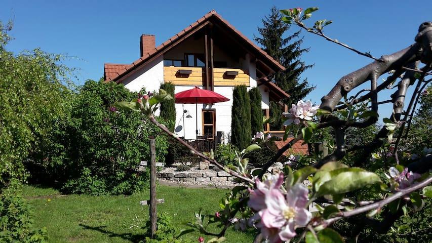 Ferienwohnung im Garten im Winzerdorf Britzingen - Müllheim - Appartement en résidence