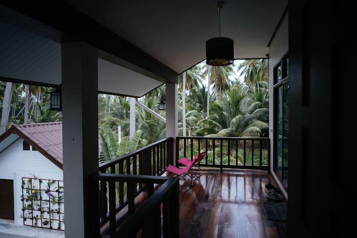 Coconut Tree Homestay