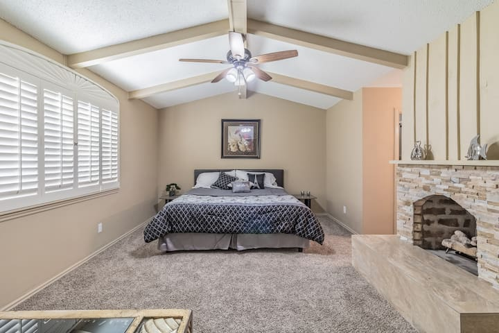 Modern 5-BR home with POOL! in heart of west side.