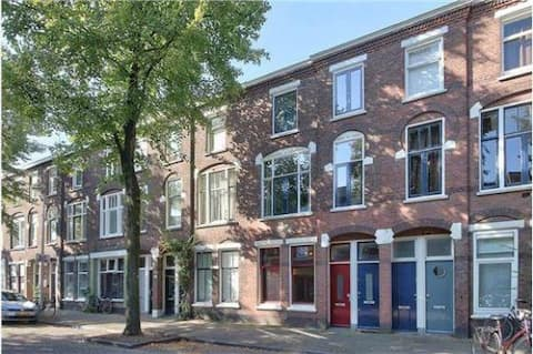 Spacious and quiet apartment - 5min to city centre