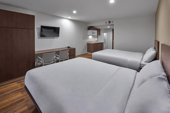 Extended Suites Saltillo, Suite 2 Queen Beds