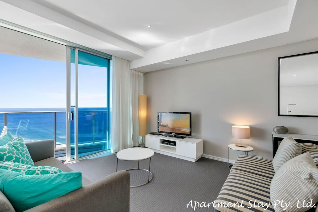 EMERALD COAST - Has a luxury fabric lounge suite where you can enjoy watching TV with Foxtel and Sports while having a glorious ocean views and skyscape. Apartment has DVD/CD player and DVD library.