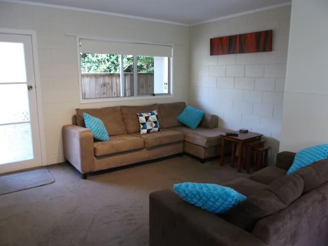 CAMELLIA Studio Apartment ~ Paihia