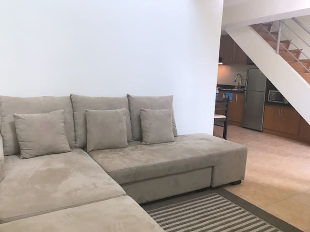 1BR Spacious Loft near St. Lukes with fast Wifi