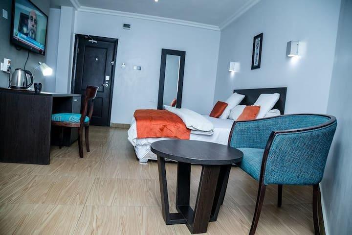 Maranatha Suites  - Executive Suite