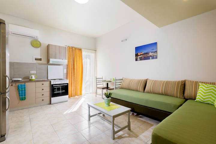 centrally located spacious apt KLIO - Faliraki - Apartment