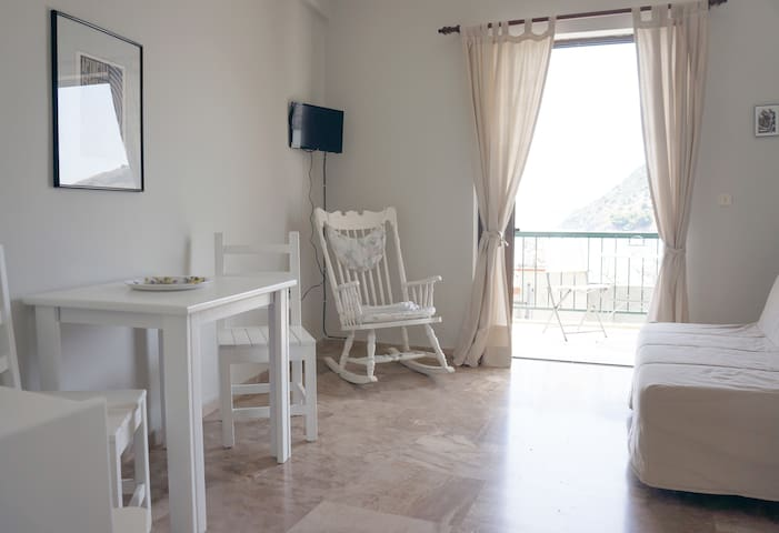 Familiar appartment close to beach - Tolo - Apartamento