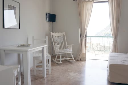 Familiar appartment close to beach - Tolo - Apartment