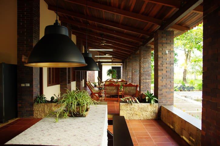 Increíble Hacienda Histórica Remodelada | CSQ
