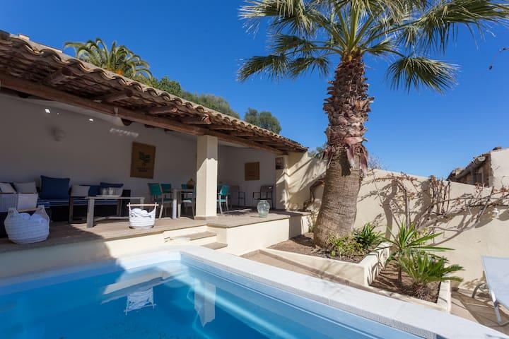 Cosset, Capdepera Amazing Villa with Pool